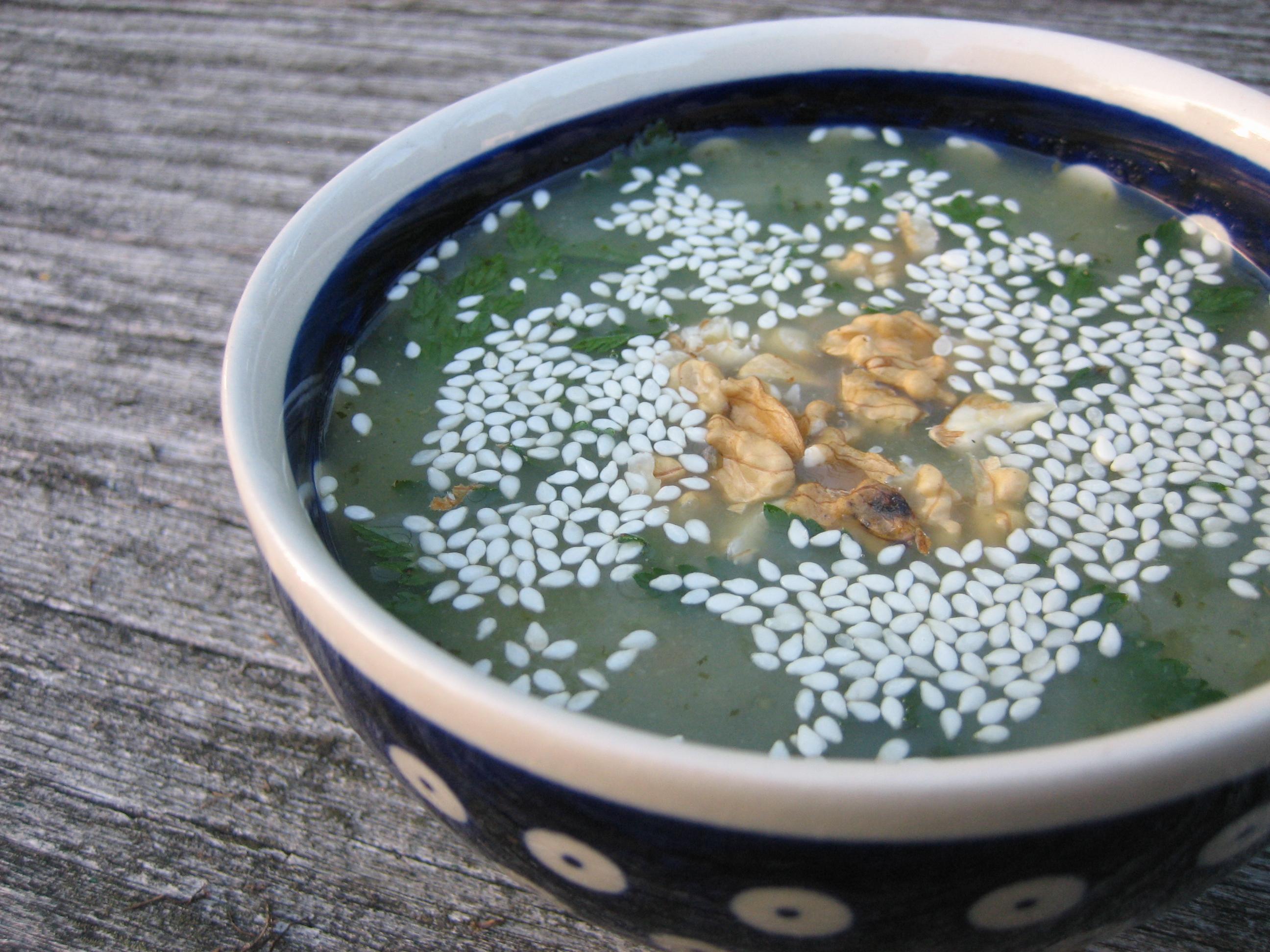 wegańska zupa ogórkowa chłodnik