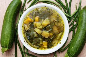 wegańska zupa minestrone