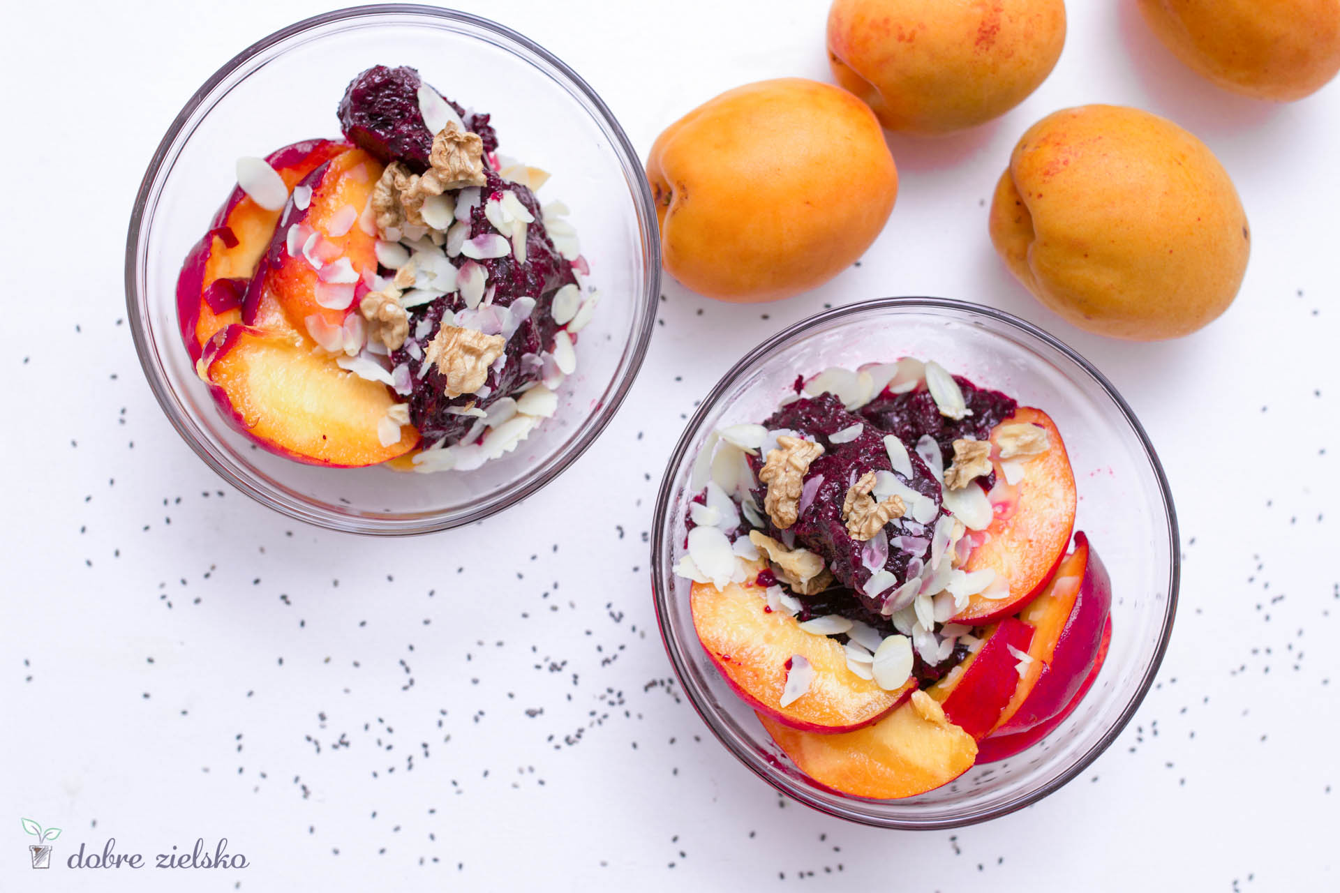 wegańskie lody owocowe z nasionami chia