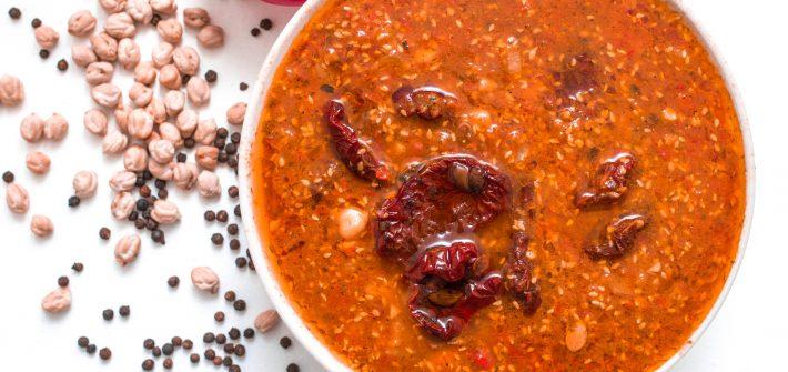 wegańska zupa pomidorowa z suszonymi pomidorami