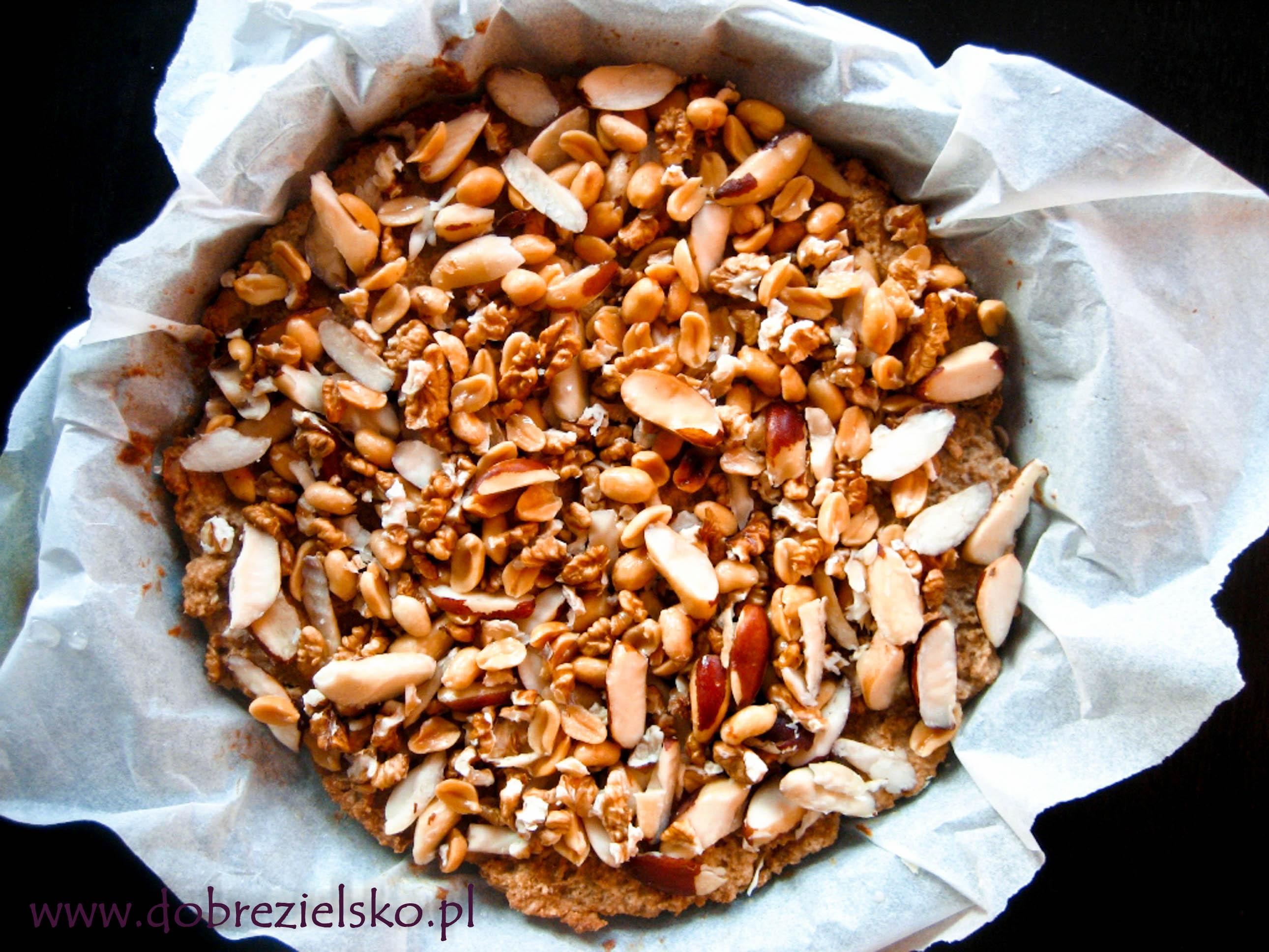 wegańska tarta orzechowa