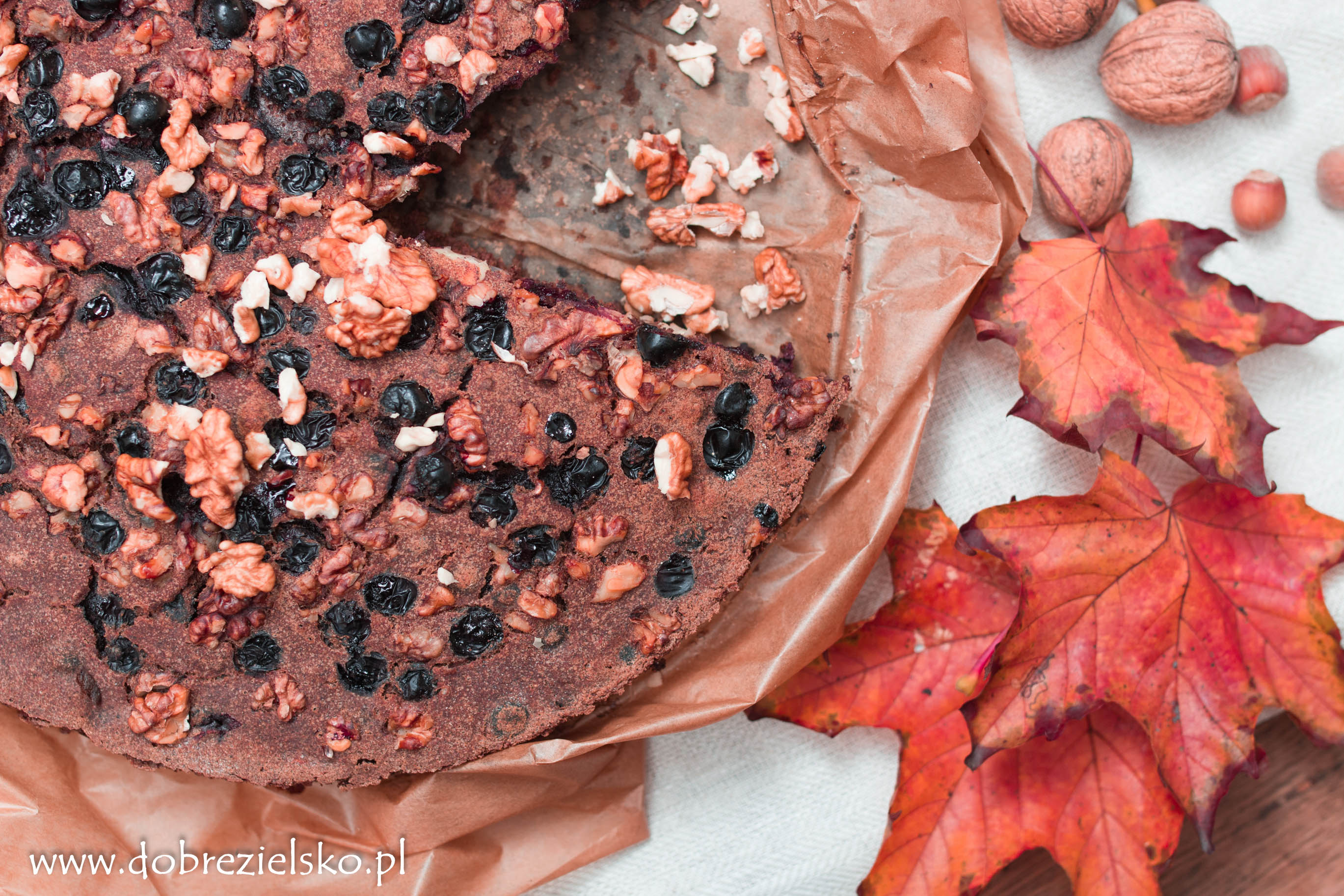 wegańskie bezglutenowe ciasto gryczane z orzechami