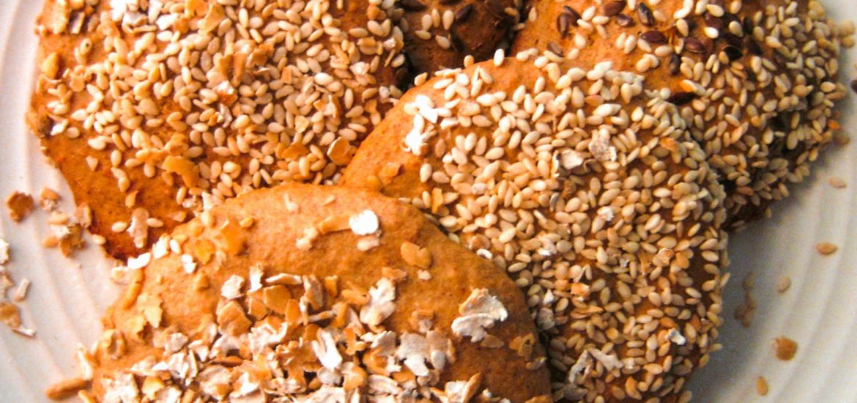 wegańskie korzenne ciasteczka bez cukru bezglutenowe