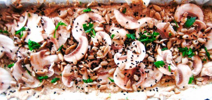bezglutenowy wegański pasztet jaglany z pieczarkami