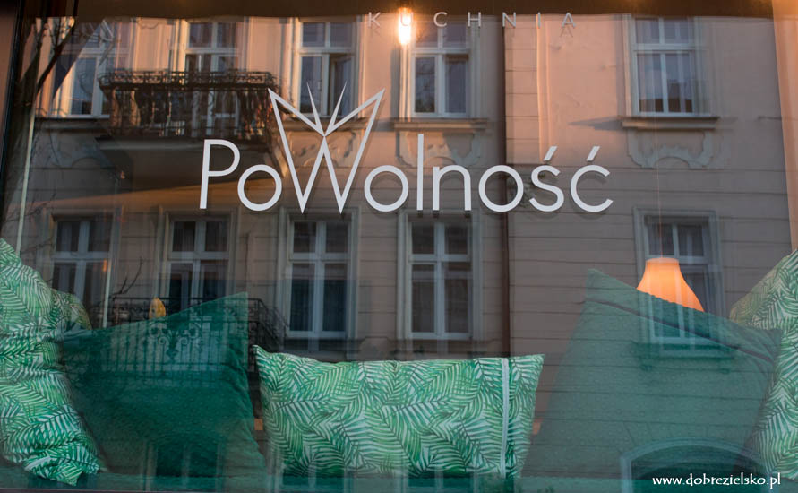 wegańska restauracja w Poznaniu Kuchnia PoWolność dobre zielsko zniżka