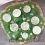 Wegańska bezglutenowa pizza ze szpinakiem i cukinią
