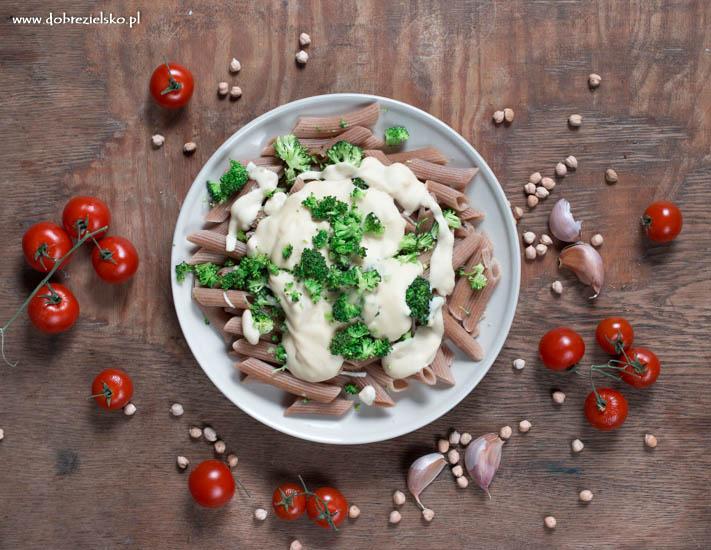 bezglutenowy wegański sos bezserowy do makaronu