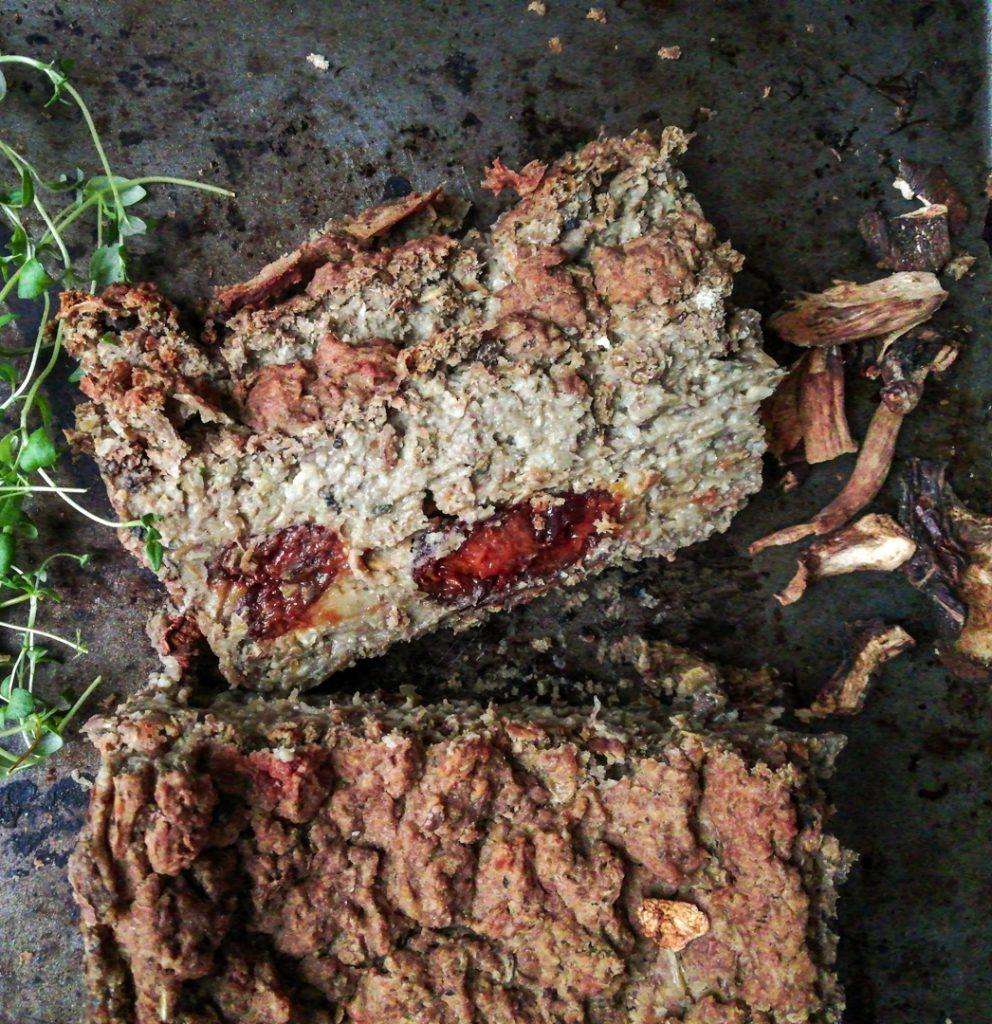 bezglutenowy wegański pasztet z soczewicy i grzybów