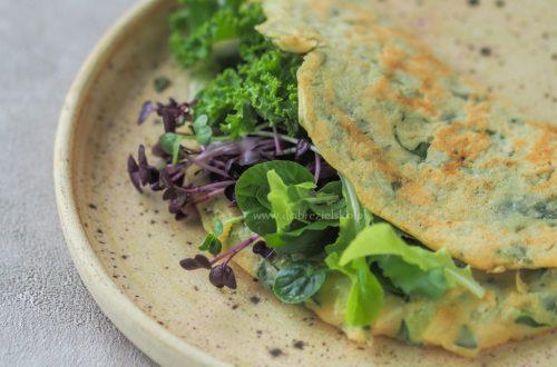 bezglutenowy wegański omlet z mąki z ciecierzycy